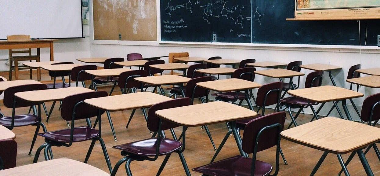 Szkoła: powrót uczniów na świecie