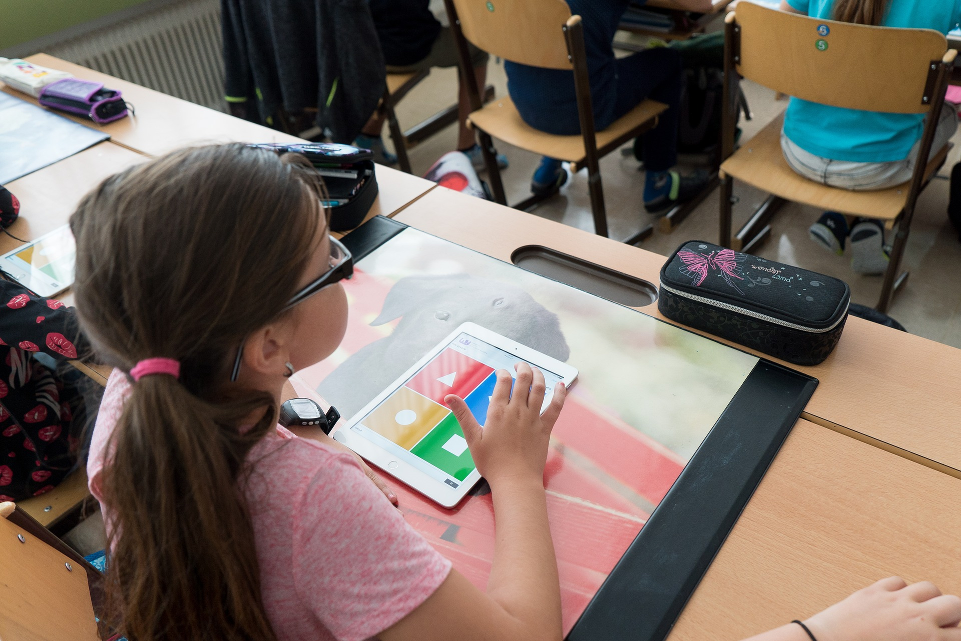 Rozwój psychiczny dziecka w wieku szkolnym – jak wygląda?