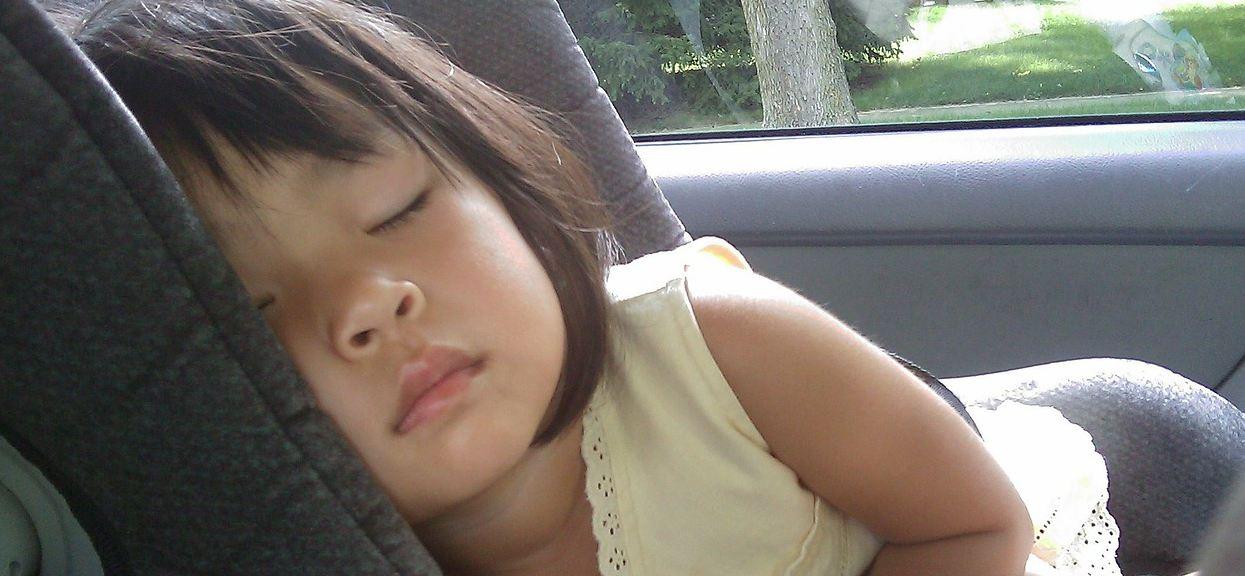 Dziecko: przewożenie w samochodzie