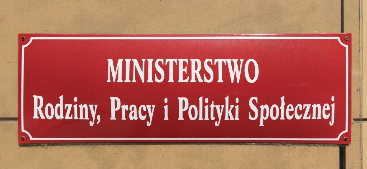 Zapadła decyzja. Rada Ministrów podjęła decyzję o wydłużeniu dodatkowego zasiłku opiekuńczego