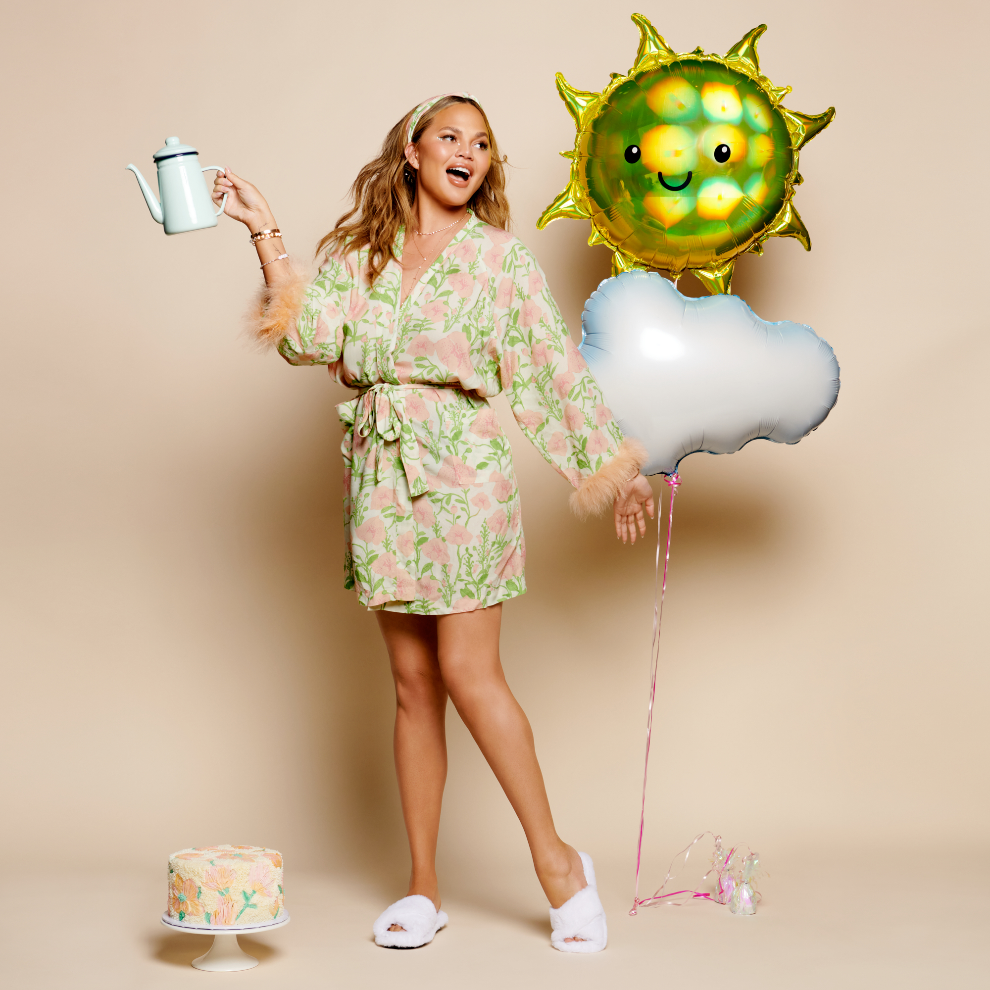 chrissy-floral-robe-fur-sunshine-balloons