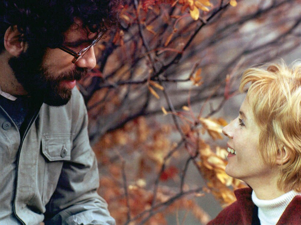 touch-1971-elliot-gould-bibi-andersson-002-autumn-leaves-1000x750