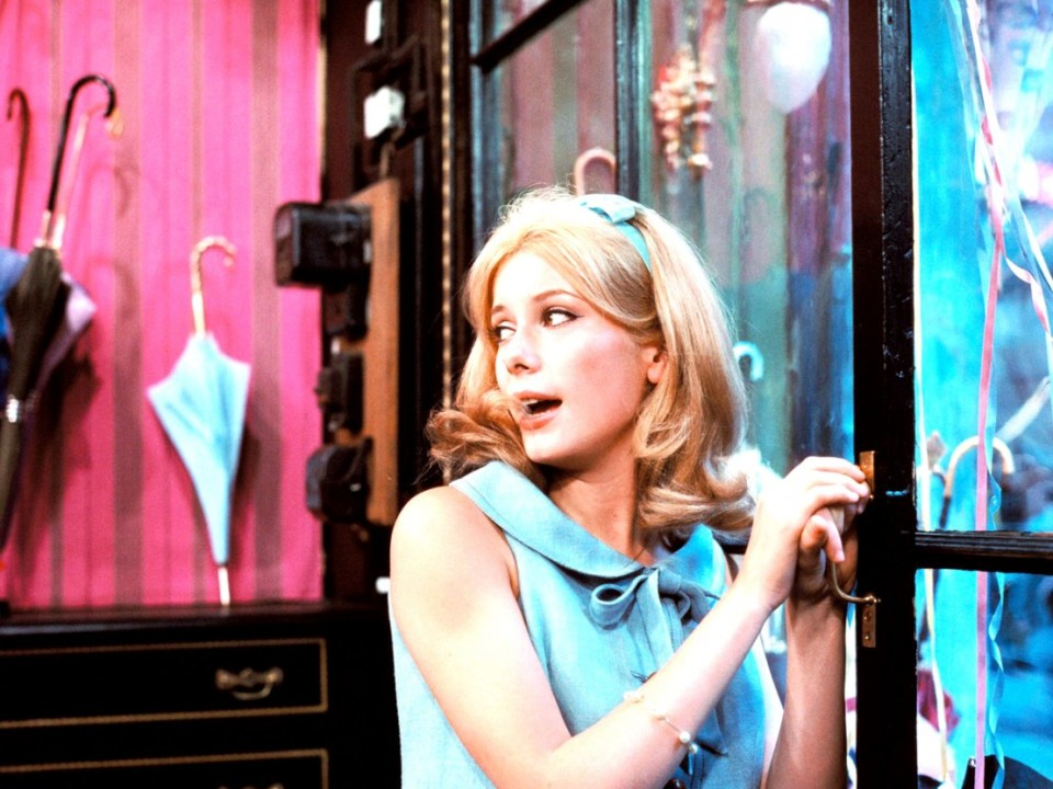 umbrellas-of-cherbourg-catherine-deneuve-1108x0-c-default