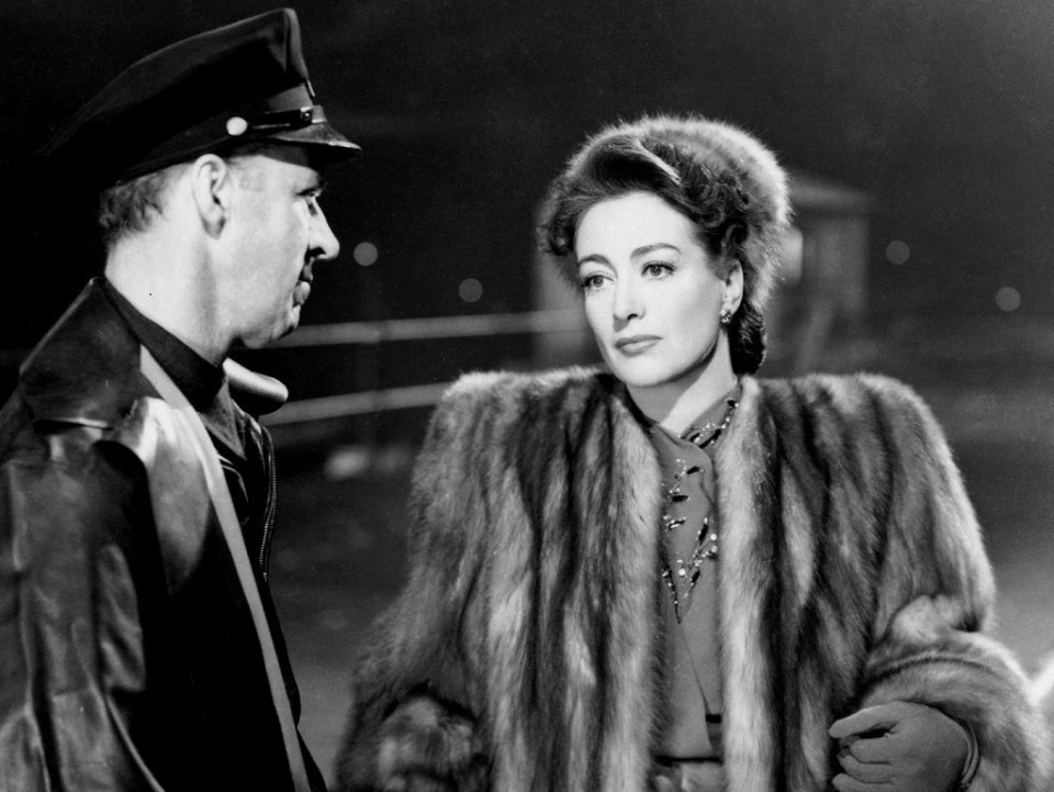 Mildred-Pierce Garry-Owen-Joan-Crawford-coat mid image-copyright-Warner-Bros