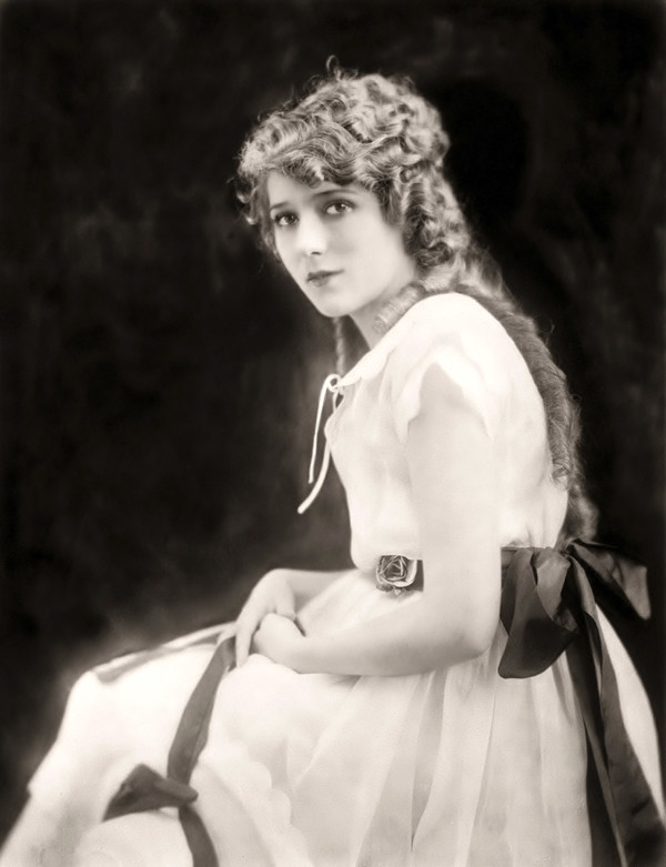 005-mary-pickford-theredlist