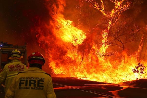 NSW Rural Fire Service fighting the bushfires in Australia