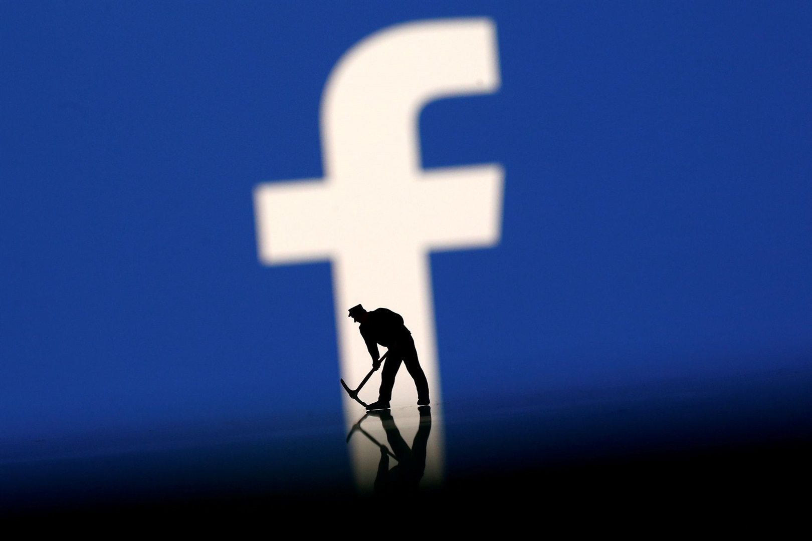 Facebook poorly monitored third-party developers access to data