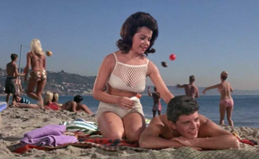 f8ed98453b6d Beach Blanket Bingo (1965)