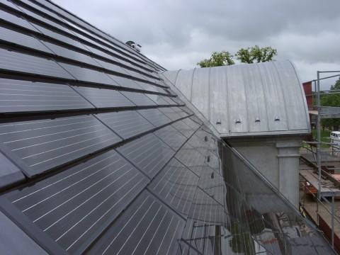 Solar Center MV Photovoltaic Roof Tiles