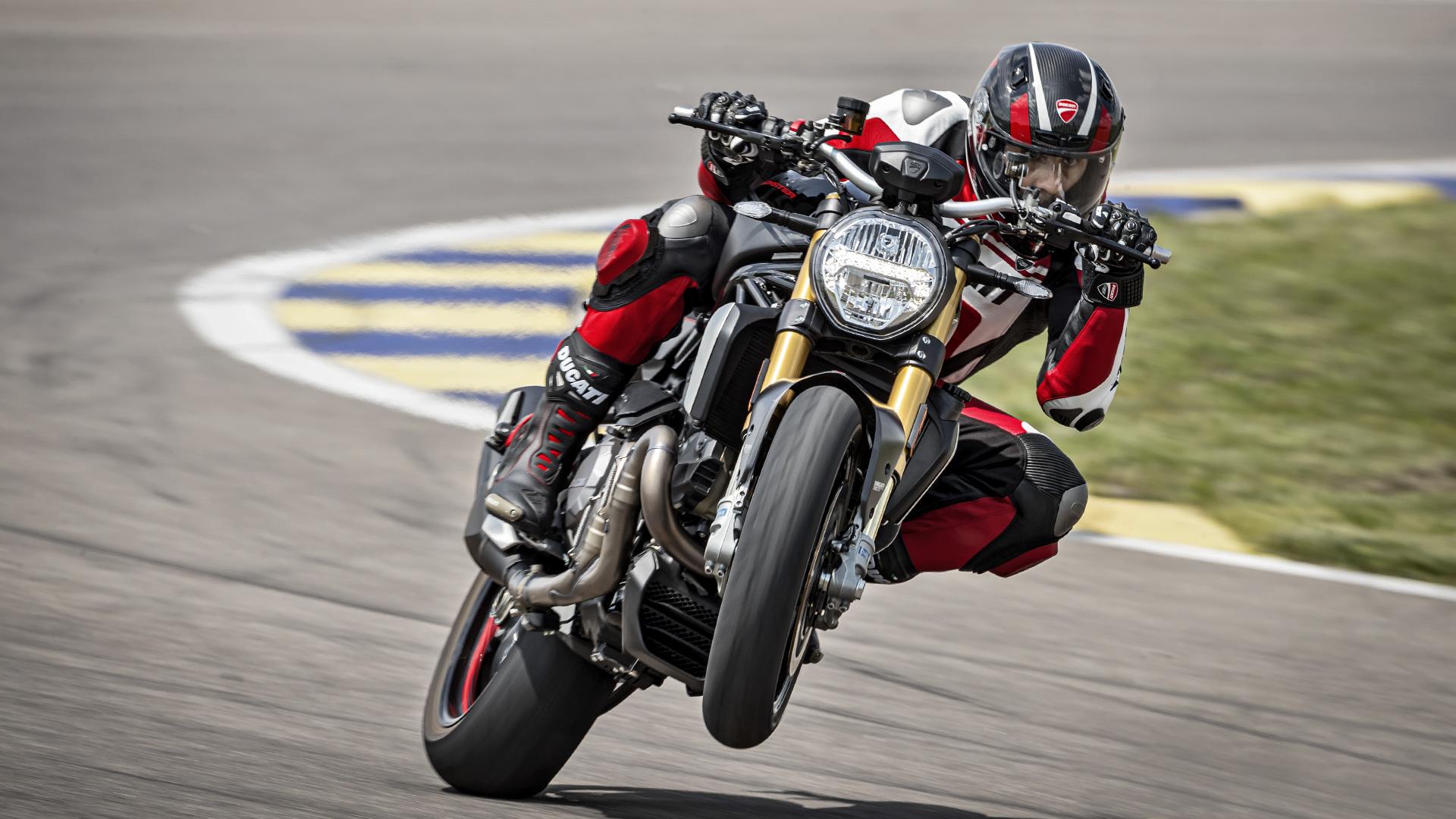 Ducati Monster 1200 | Ducati Monster 1200 S