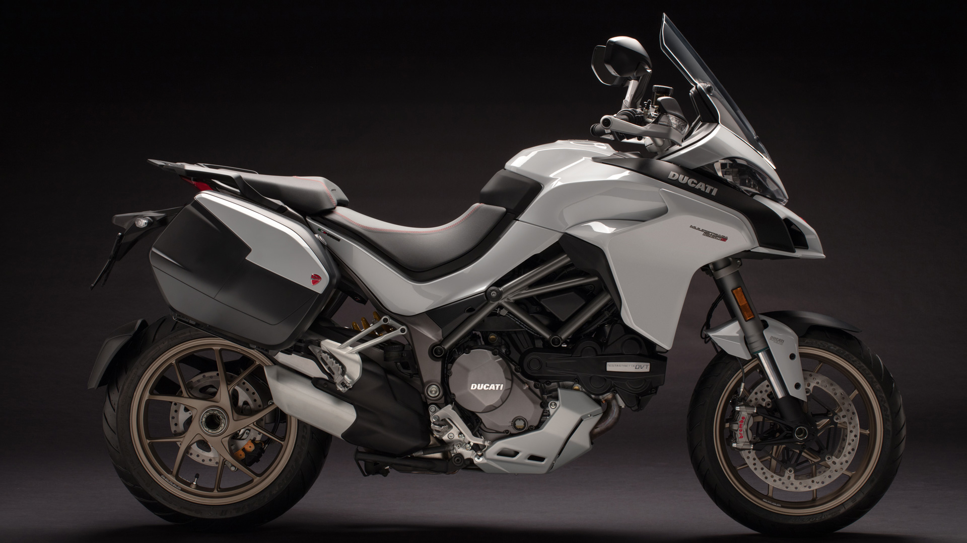ducati multistrada 1260 expand your comfort zone. Black Bedroom Furniture Sets. Home Design Ideas