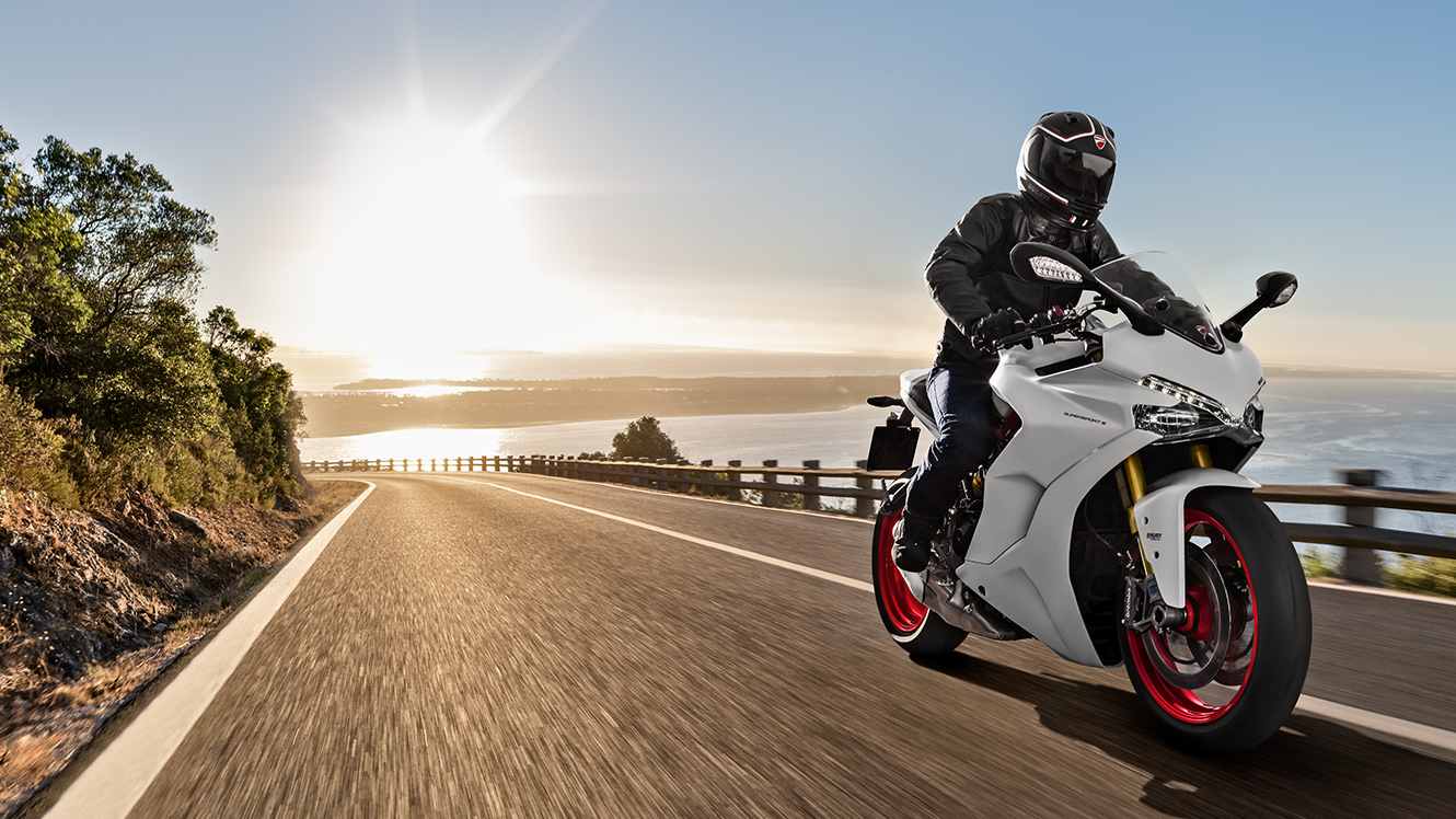 Ducati SuperSport: the energy of sport wherever it goes