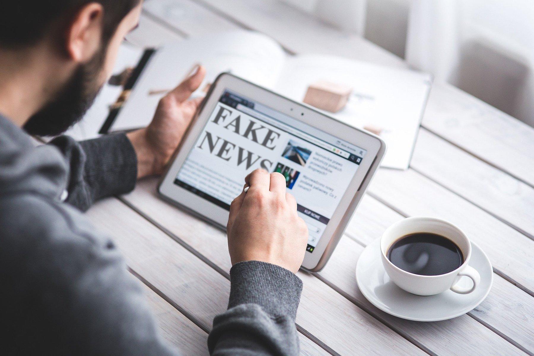 fake-news-4881486 1920
