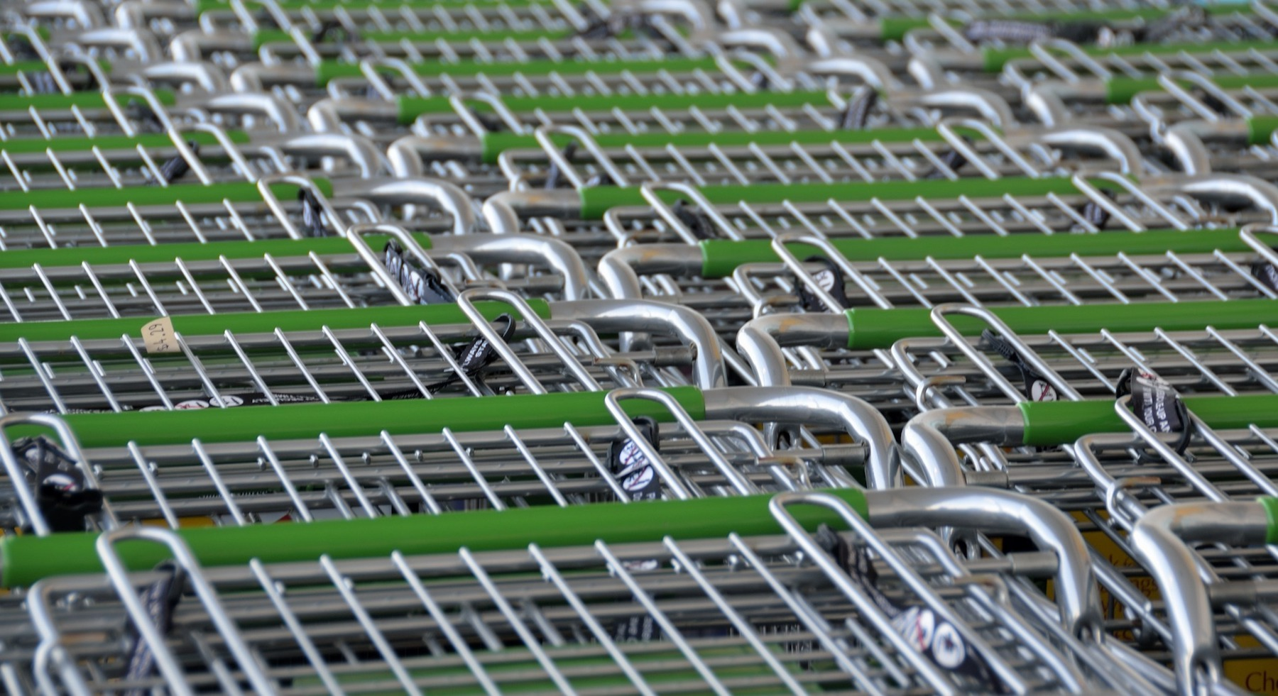 shopping-carts-2077841 1920