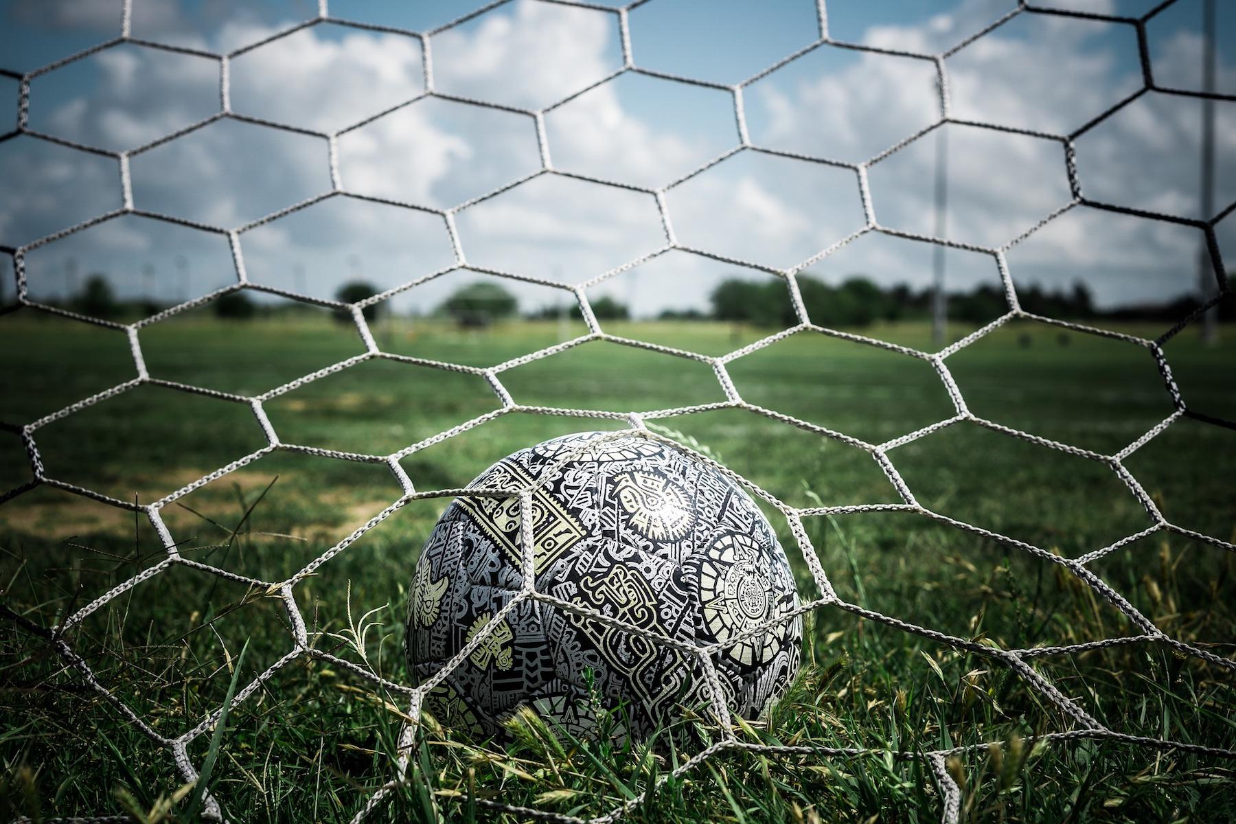 soccer-5065615 1920