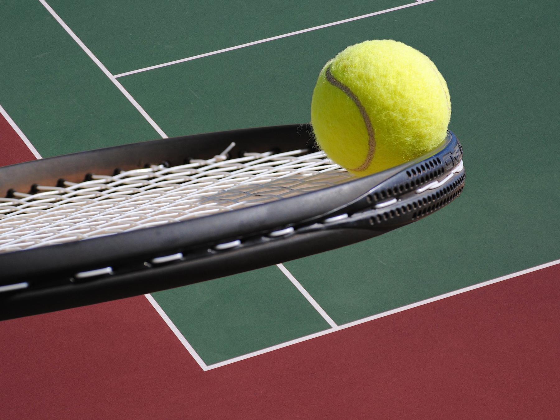 tennis-2819296 1920