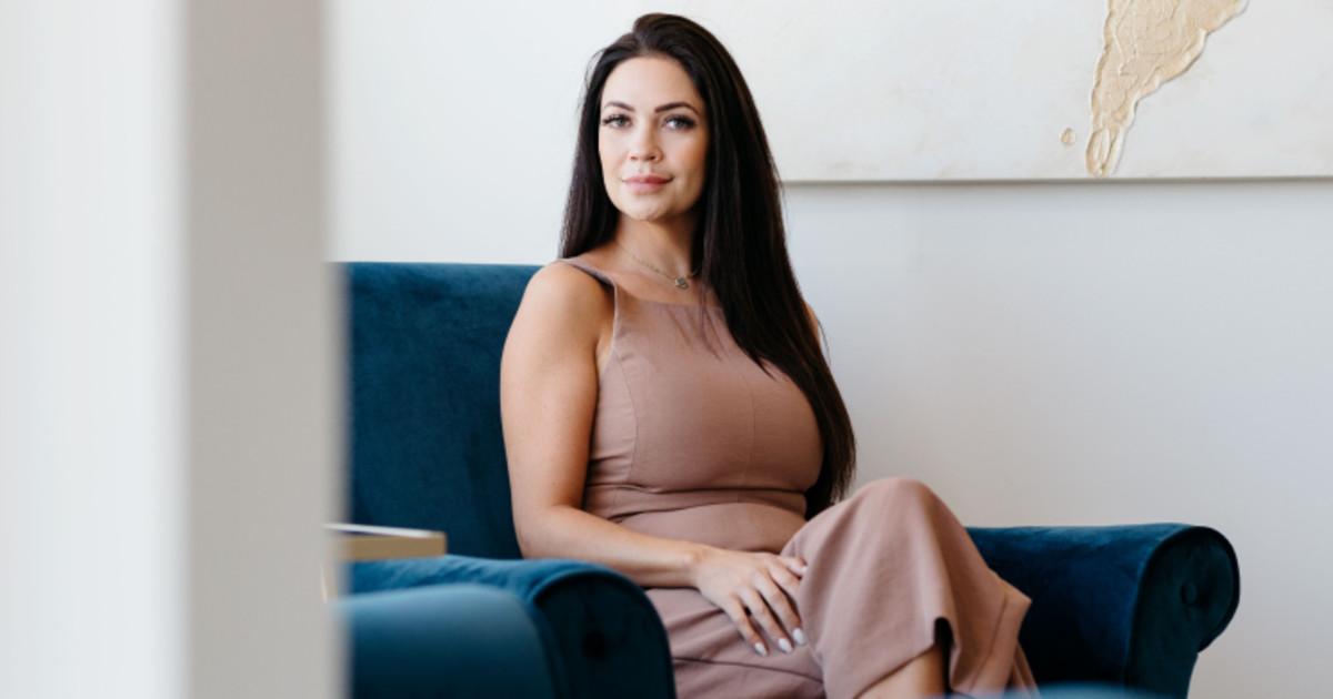 Going All In: This Entrepreneur Ditched Her 9-5 to Start Microblading