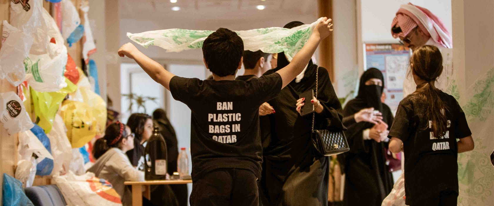 QF students' campaign calls for Qatar to ban plastic bags