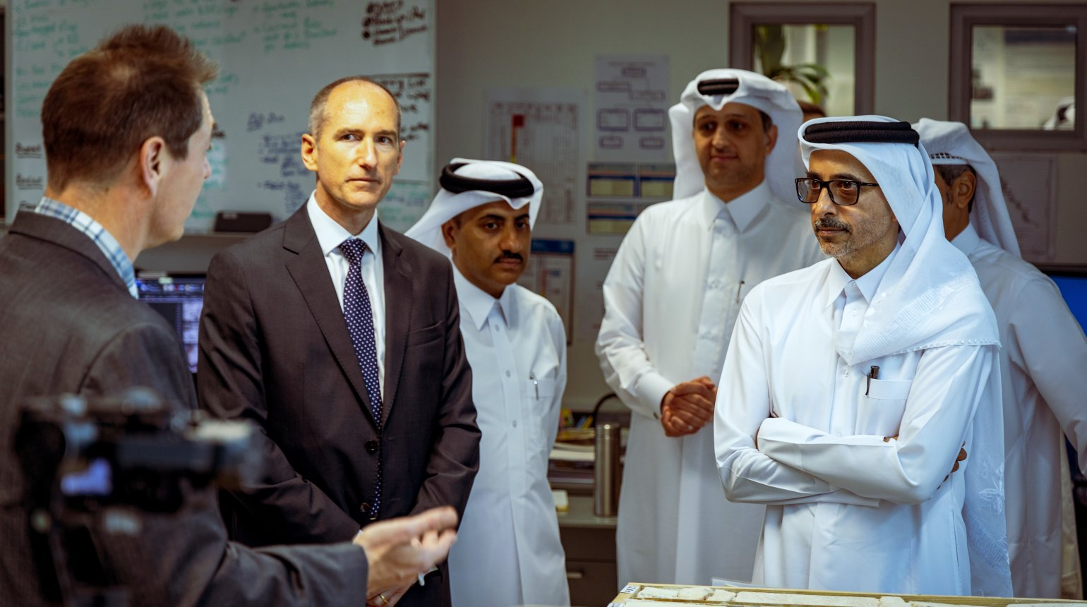<p>His Excellency Salah bin Ghanem Al Ali visited the HBKU Research Complex and Qatar's hub of technology innovation, Qatar Science & Technology Park.</p>