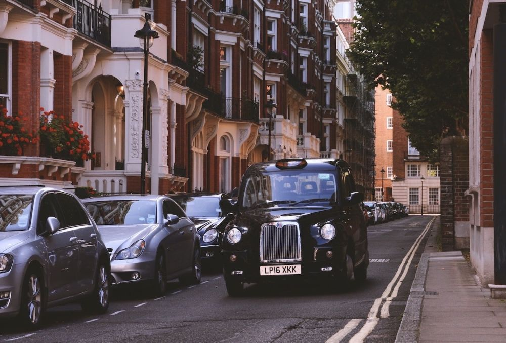 London-Taxi-British-Black-Cabs-English-Language