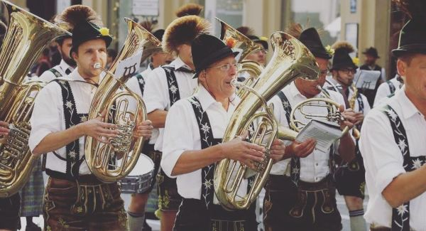 Musician playing in a parade, Munich, Oktoberfest