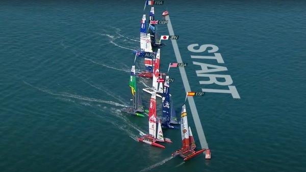 """""""Es war ein harter Anruf"""" - Phil Robertson reagiert, als Spanien in Plymouth die erste SailGP Black Flag zeigte Flag"""
