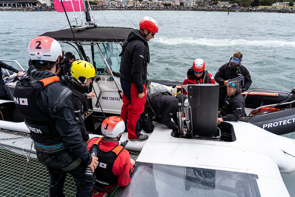 Tech team pulls alongside Japan