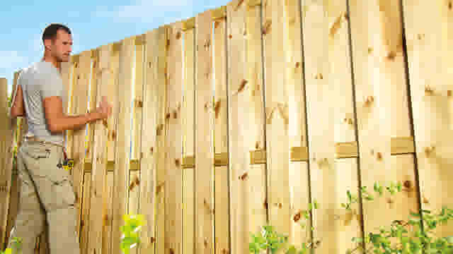 Installer une clôture en bois | GAMMA