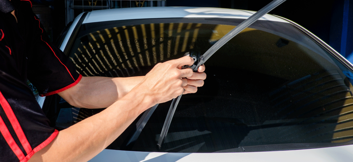 How to Change the Wiper Blades of Your Car on Your Own