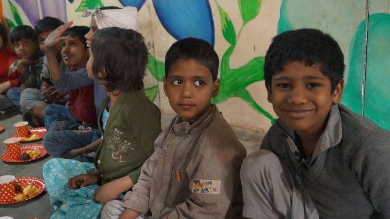 Feeding India - IMG003