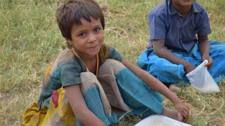 Feeding India - IMG006