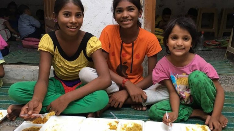 Feeding India - IMG008