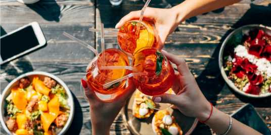Bottomless Brunch in Melbourne. Credit: Shutterstock \[…\]  [Read Mor](https://quisine.quandoo.com.au/guide/bottomless-brunch-in-melbourne/attachment/bottomless-brunch-in-melbourne-2/)