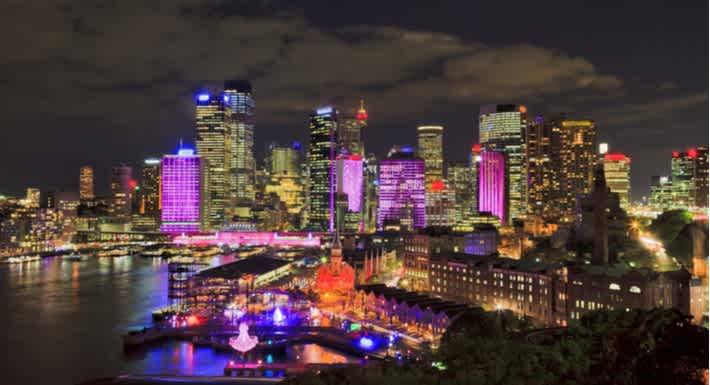 See Sydney come alive during Vivid, 2019. Source: Shutterstock \[…\]  [Read More…](https://quisine.quandoo.com.au/guide/where-to-eat-vivid-sydney/attachment/vivid-sydney/)