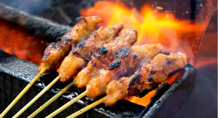 The charchoal-grilled satay skewers from Mamak are a serious must try! Source: Shutterstock \[…\]