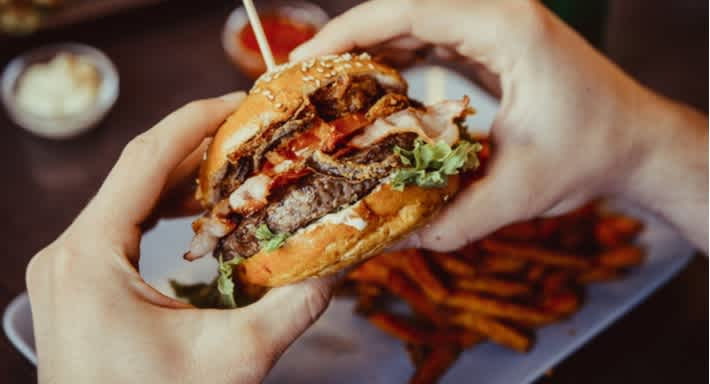 \[…\]  [Read More…](https://quisine.quandoo.com.au/guide/best-burgers-in-brisbane/attachment/shutterstock_406893664/)