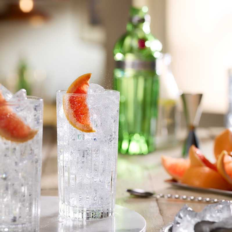 Der Gin & Tonic gehört zu den beliebtesten Longdrinks überhaupt. Quelle: Quandoo \[…\]  [Weiterlesen&#](https://quisine.quandoo.de/guide/tanqueray-thursday/attachment/tanqueray-2/)