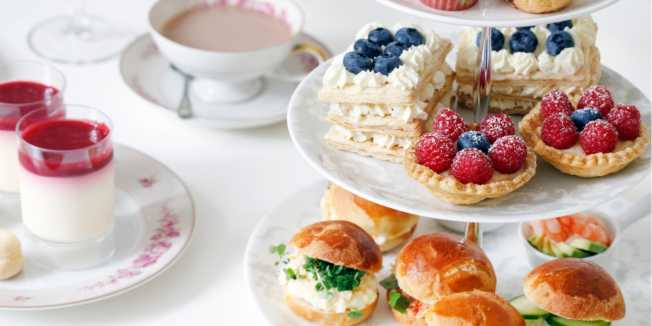 Photo: Shutterstock \[…\]  [Read More…](https://quisine.quandoo.sg/guide/best-high-tea-in-singapore/attachment/shutterstock_1346969573/)