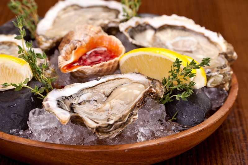 Icey cool oysters. Source: Shutterstock \[…\]  [Read More…](https://quisine.quandoo.co.uk/guide/how-to-eat-oysters-london/attachment/fancy-crab/)