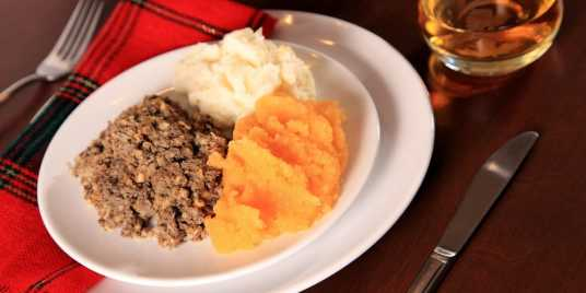 \[…\]  [Read More…](https://quisine.quandoo.co.uk/guide/eating-scottish-food-in-glasgow/attachment/scottish-burns-supper-with-haggis-1200x600/)