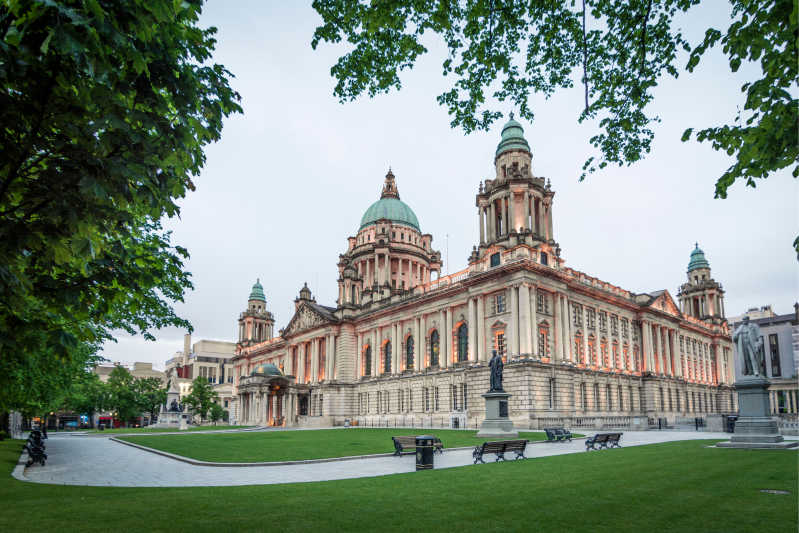 Belfast City Hall \[…\]  [Read More…](https://quisine.quandoo.co.uk/guide/best-restaurants-belfast/attachment/shutterstock_1107447695/)