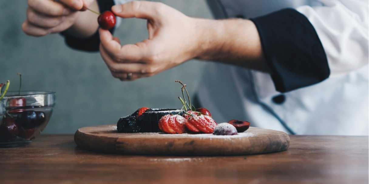 Chef plating up a dessert. Photo: Shutterstock \[…\]  [Read More…](https://quisine.quandoo.co.uk/guide/best-restaurants-belfast/attachment/shutterstock_1057984442/)