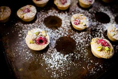 sparkle kitchen: raspberry friands