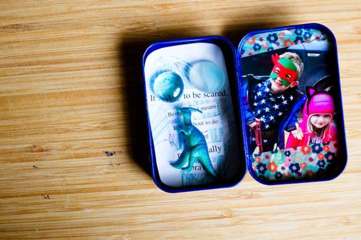 """bravery-in-a-box"" travel photo frame 13 