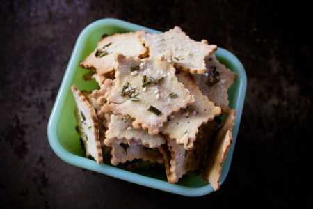 sparkle kitchen: gluten free star crackers