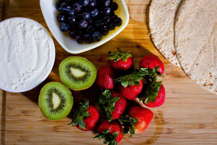 breakfast fruit pizza 10 | www.sparklestories.com| at home with martin & sylvia