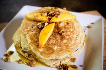 sparkle kitchen: peach pecan pancakes
