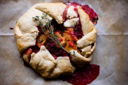 sparkle kitchen: rustic peach tart with raspberries and thyme