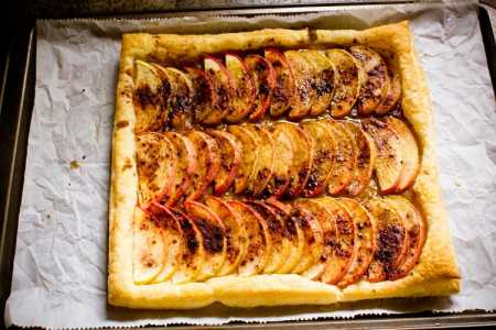 "sparkle kitchen halloween special: ""apples in a row"" tart"
