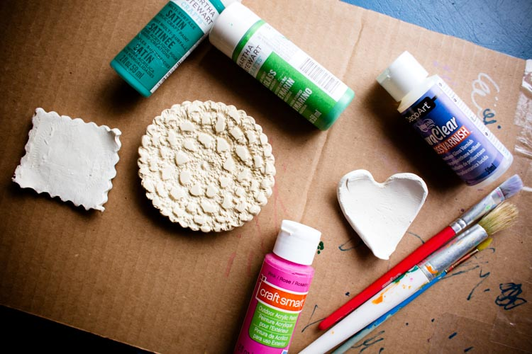 sparkle craft: air dry clay trinket dishes - Sparkle Stories